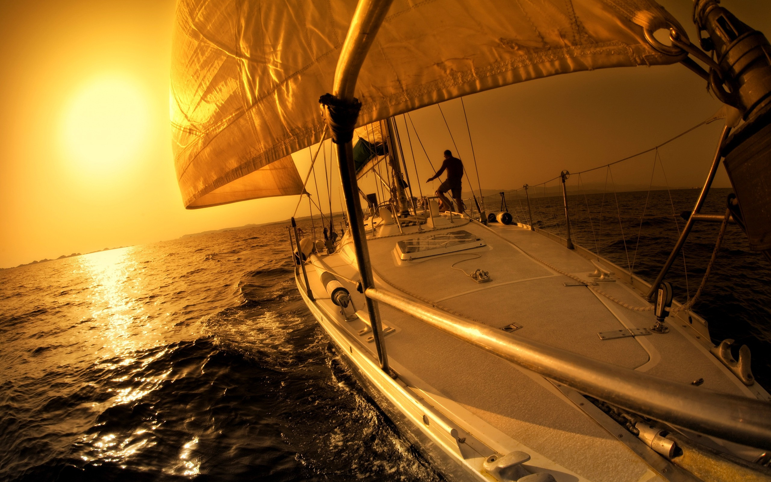Full HD Backgrounds: Sailing, 2560x1600 px