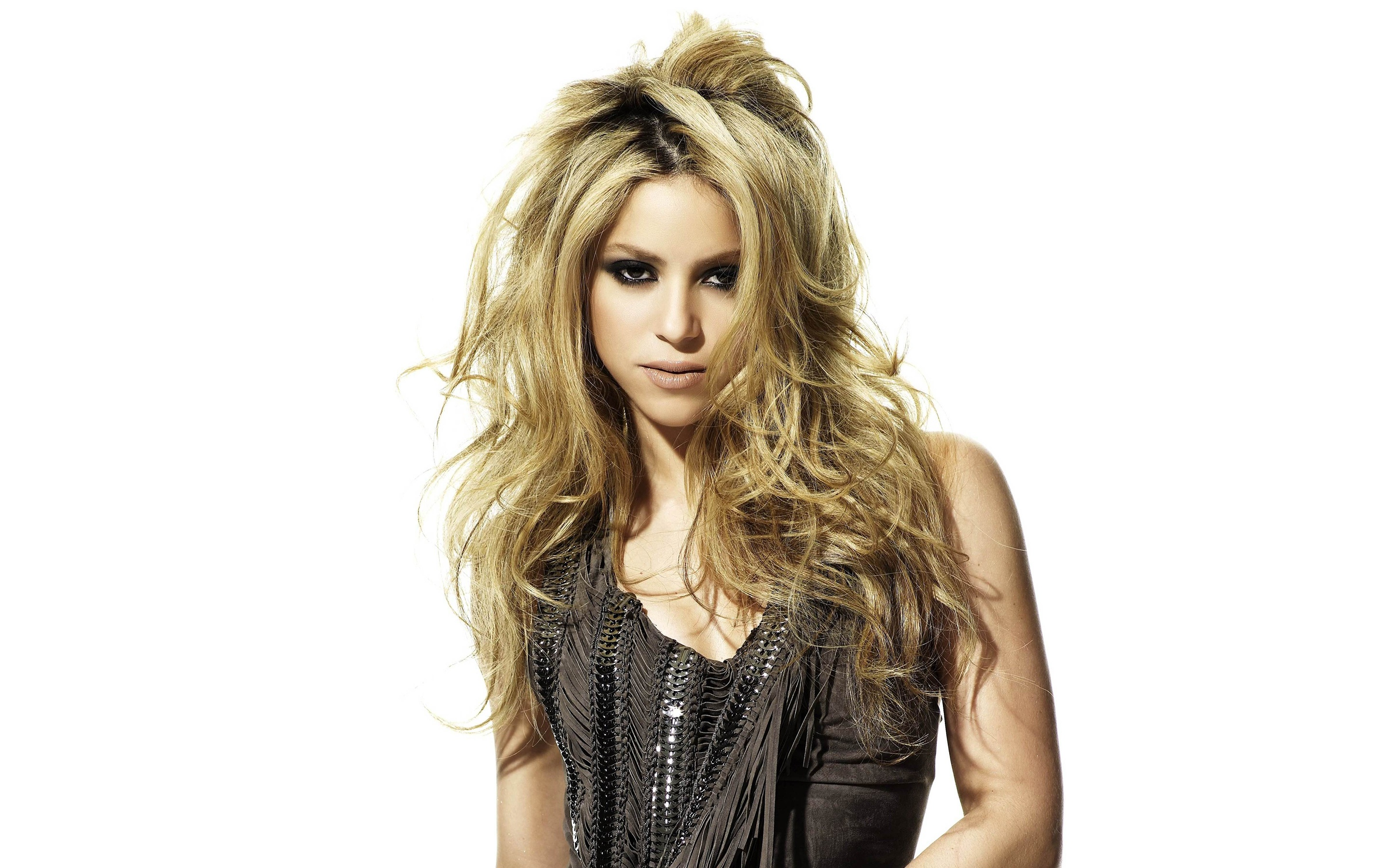 Shakira High Resolution Wallpapers (Zackary Watkin, 2880x1800)