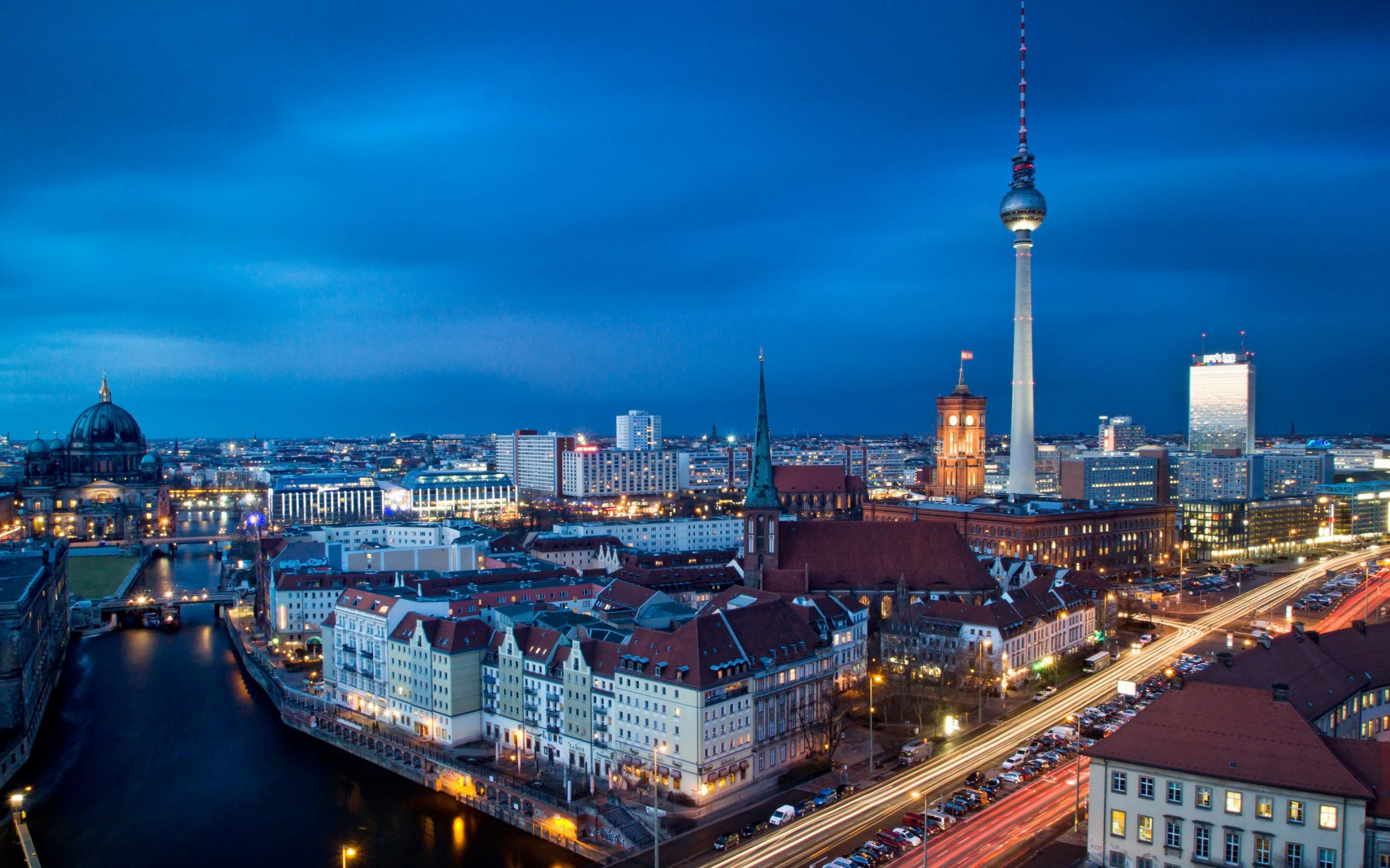 2880x1800 px Cool HDQ Cover Photos of Berlin, Full HD 1080p Desktop Photos for PC&Mac, Laptop, Tablet, Mobile Phone