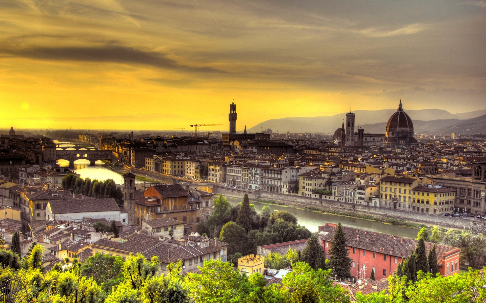By Julietta Monzon PC.41: Florence Pictures&Pictures