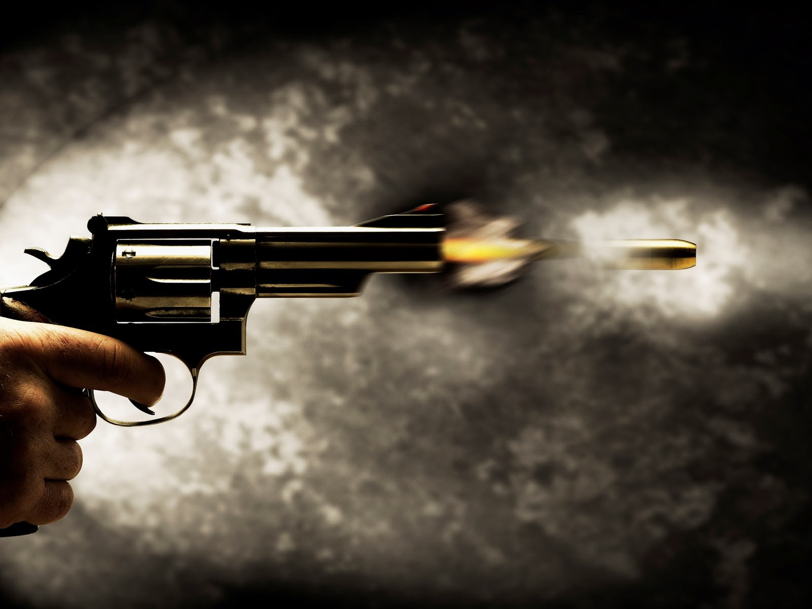 Guns Desktop Wallpapers : 40124300 Guns Photos